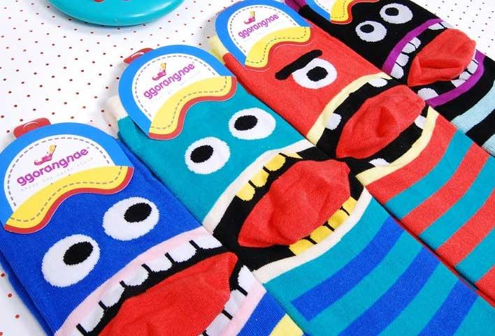 Шкарпетки з персонажами